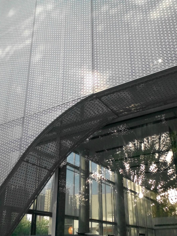 雕花铝单板厂家的发展前景