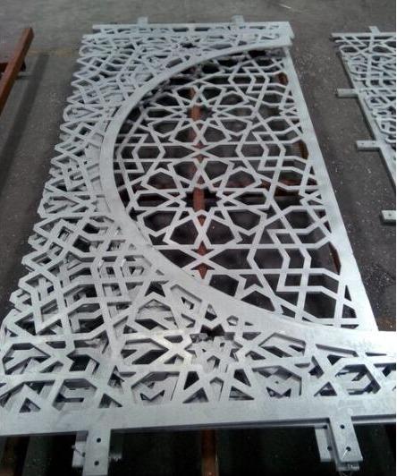 木纹铝单板装饰在商业工程中的广泛应用