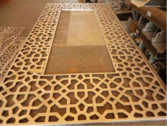 云南铝单板厂家冲孔、雕花铝单板的4大区别