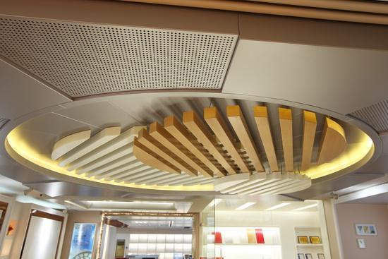 仿木纹铝单板让您享受如实木般的品质!