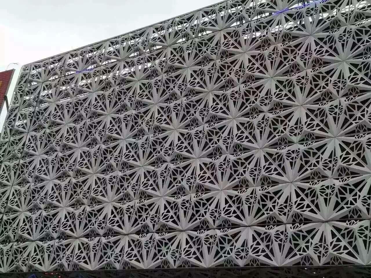 木纹铝单板生产注重技术创新并且要提高核心生产力!