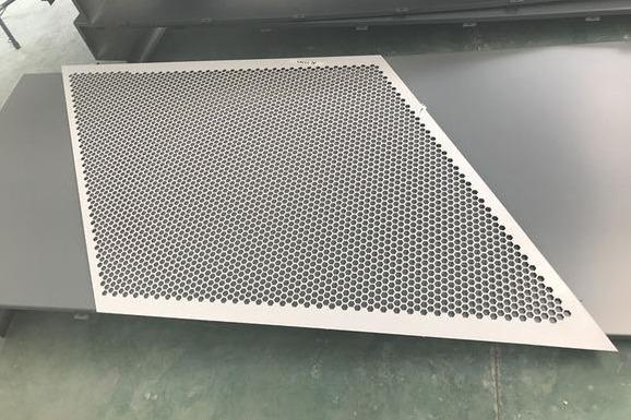 为什么铝单板在各种建筑中这么受用呢?